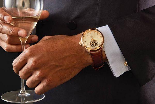 Как носить часы с длинным рукавом?