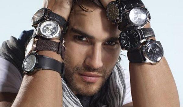 На какой руке правильно носить часы