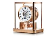 Необычные интерьерные часы от известных швейцарских брендов