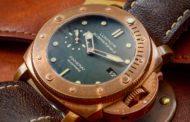 Часы в бронзовом корпусе набирают популярность
