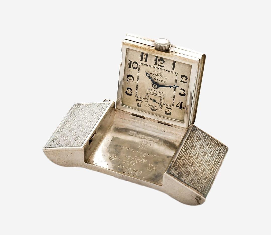 Пряжка для ремня компании Tavannes Watch