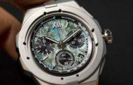 Chopard Alpine Eagle XL Chrono Only Watch 2021 с альпийским пейзажем
