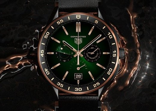 TAG Heuer Connected Bright Black Edition с золотыми акцентами